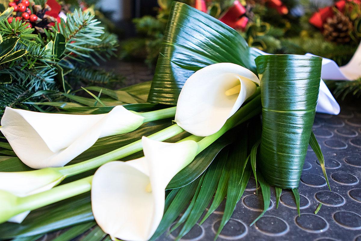 Funeral flowers flower workshop a personal tribute izmirmasajfo